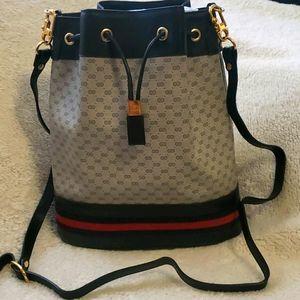 ❣RARE Vintage Gucci Plus Bucket Bag ❣
